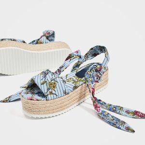 Tied floral raffia wedges